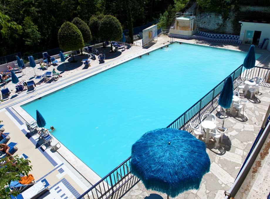 Bagni san filippo - Hotel in montagna con piscina ...